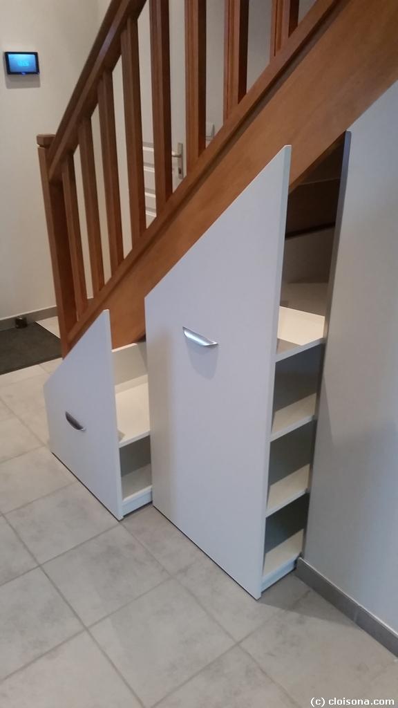 Optimisation d 39 espace meuble roulant sous escalier cloisona menuiserie - Meuble chaussure sous escalier ...